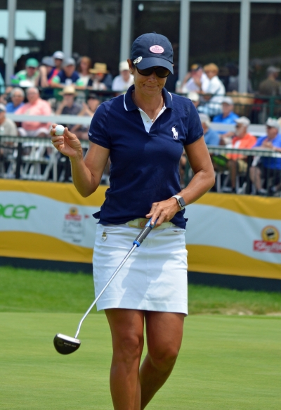 Laura Diaz, one of the first-round leaders at the 2018 ShopRite Classic, acknowledges the crowd at the completion of her round on Friday, June 8.