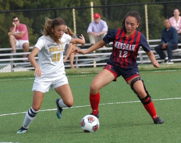 Donofrio, Mendham upend Knolls