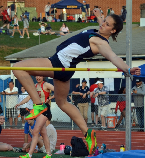 Rams vault to Morris Relays record, title